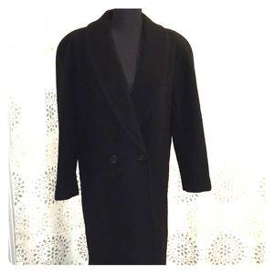 Vintage 💯 wool coat long length
